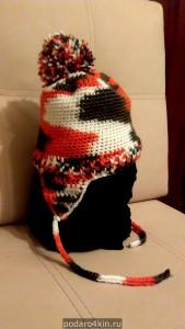 Вязаный комплект (шапка и шарф) для детей ручной работы